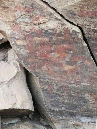 Giant's Castle Camp: Bushmen art