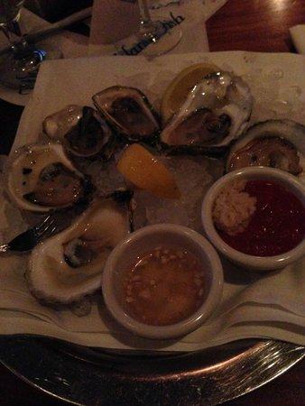 Atlantic Fish Company : Half Dozen assorted raw oysters (excellent)
