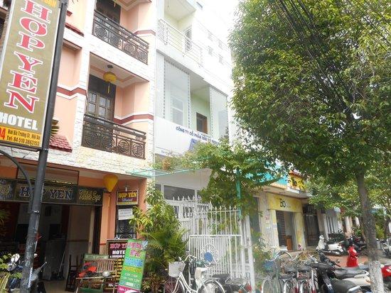 Hop Yen Hotel en una de las calle de acceso al casco antiguo de Hôi An