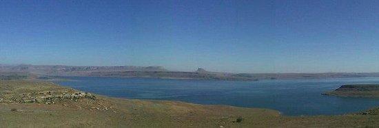 Qwantani Berg and Bush Resort: view of dam