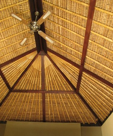 Resort Relax Bali: De Luxe bungalow roof
