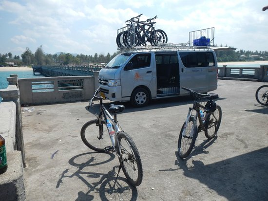 Amazing Bike Tours : Taking a quick break on the boat jetty