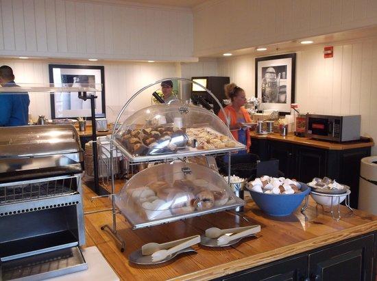 Hampton Inn & Suites Myrtle Beach/Oceanfront: breakfast 2