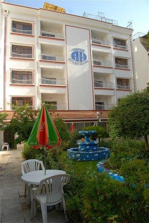 Atlas Hotel: All'interno.