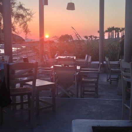 Koumpara Seafood Restaurant: Sunset at Koumpara