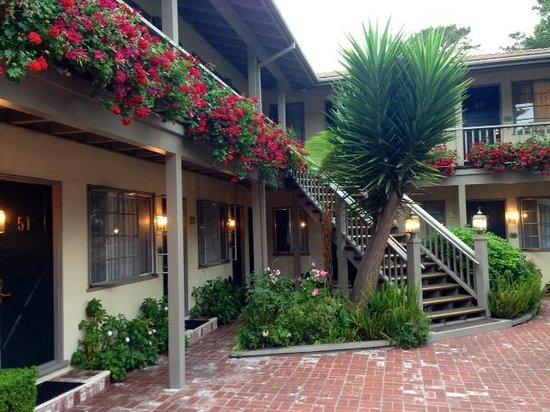 Comfort Inn Carmel By The Sea: Outside Patio 2