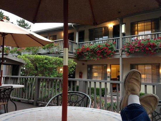 Comfort Inn Carmel By The Sea: Outside Patio 3