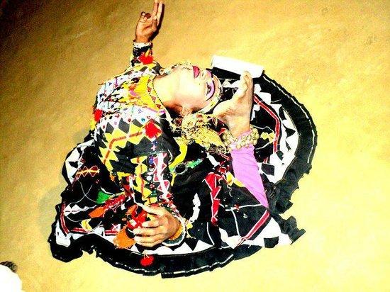 Divine Nilalohita Resorts: kalbeliya dancer