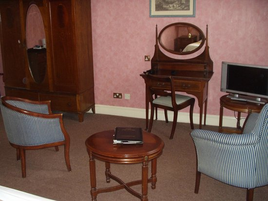 Bosworth Hall Hotel & Spa: Room sitting area