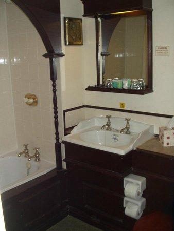 Bosworth Hall Hotel & Spa: Bathroom