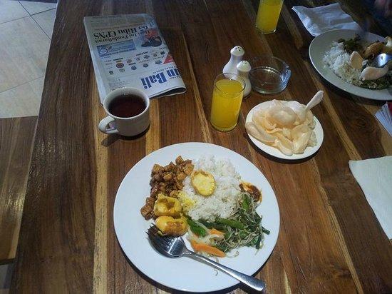 Grandmas Legian Hotel: Breakfast Menu