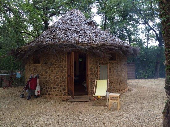 Les Cabanes de Jeanne : Notre belle cabanne ronde