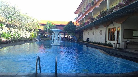 Febri's Hotel & Spa: Swimming Pool