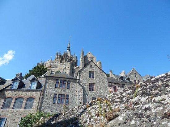 Abbaye du Mont-Saint-Michel : Inside the building looking up