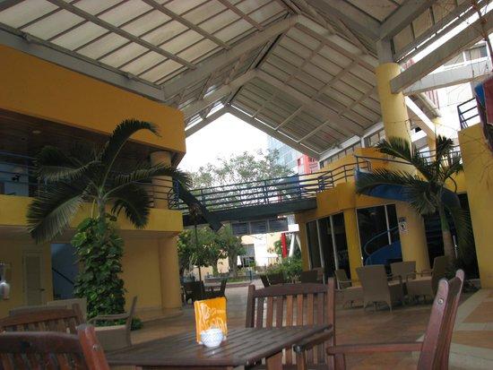 Meliá Santiago de Cuba: centro chiostro