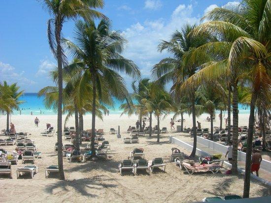 ClubHotel Riu Tequila: plage vue du restaurant