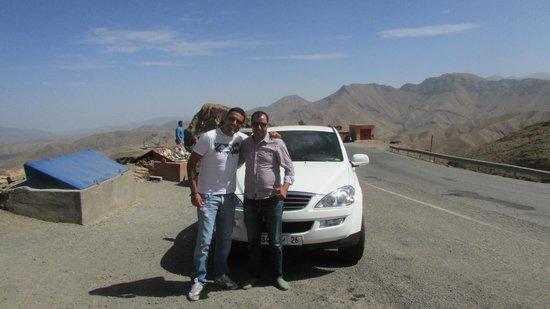 Easy Take Transport: Con Hakim...