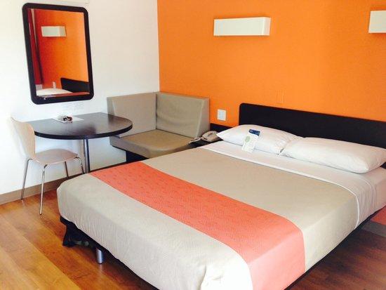 Motel 6 Sunnyvale South : Room 201