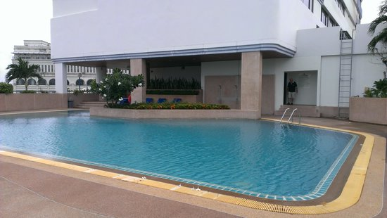 Metropole Hotel Phuket: Swimming Pool