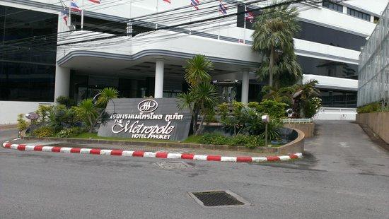 Metropole Hotel Phuket: Hotel Entrance