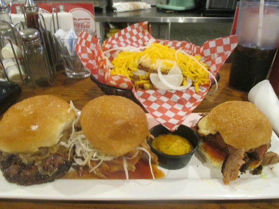 Memphis Fire Barbeque Company: slider sampler & chili cheese fries