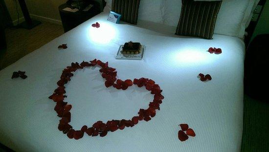 Crowne Plaza Dubai Festival City: Aankomst voor onze honeymoon. Hoe romantisch!