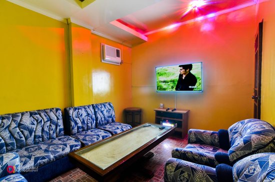 Marco Vincent Dive Resort: KTV Room
