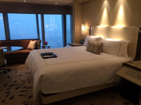 Fairmont Nanjing: My bed