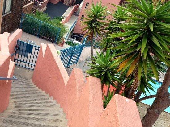 La Jolla Cove Suites: Exterior