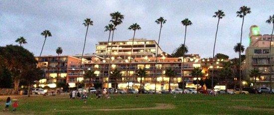 La Jolla Cove Hotel & Suites : Overall Hotel