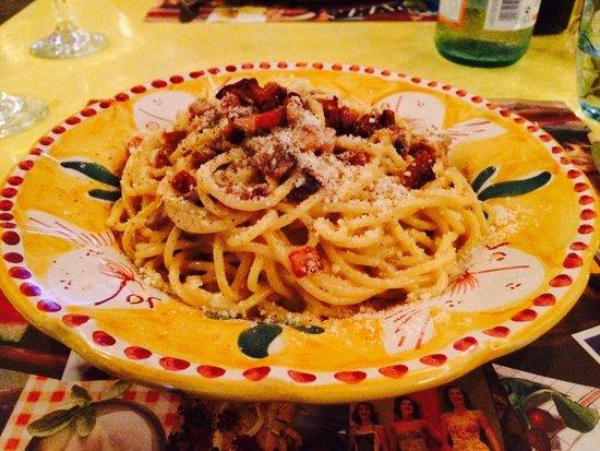 Catari Ristorante Italiano: Spaghetti Carbonara