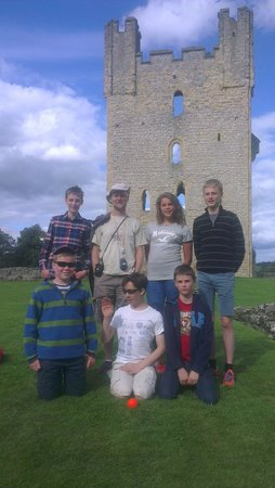 Helmsley Castle: Man, boy and 5 cousins. Which is which?!