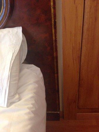 Oriente Atiram: Кровать