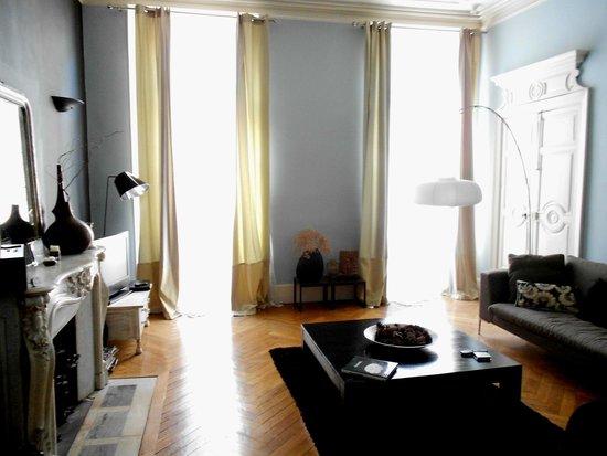 42 Rue Victor Hugo : Main Suite