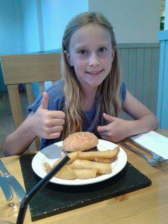 Portbyhan Hotel: Homemade burger child me u