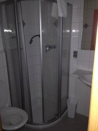 Hotel Berggasthof Schwaighofwirt: Bathroom