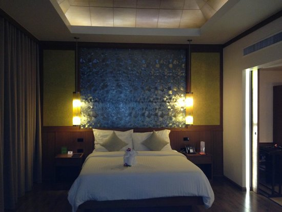 Beyond Resort Khaolak: Bett