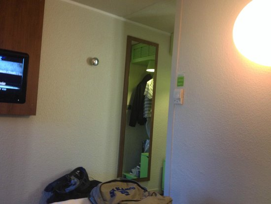 Campanile Nantes Ouest- Saint Herblain : la chambre