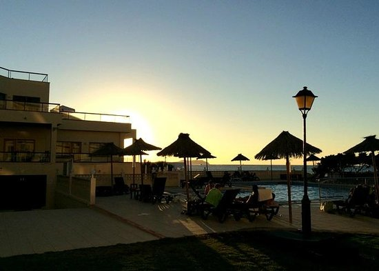 Marina Palace by Intercorp Hotel Group: evenings at the pool
