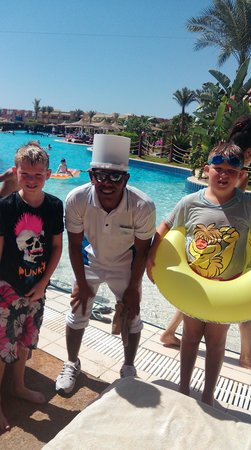 Coral Sea Holiday Village: pool man - fab with the kids