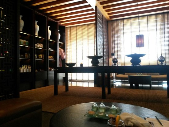 The Chedi Muscat – a GHM hotel: Spa lobby