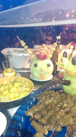 Coral Sea Holiday Village: fantastic food every night
