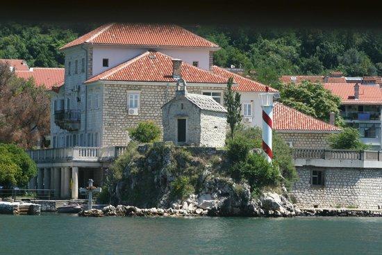 Palazzo Radomiri Hotel: Across the bay