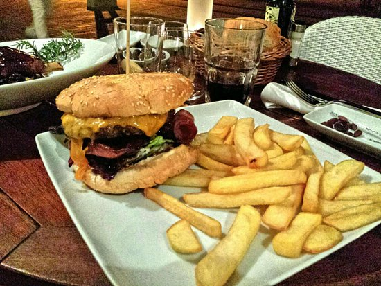 Bistro & Bar: Esplendido Burger