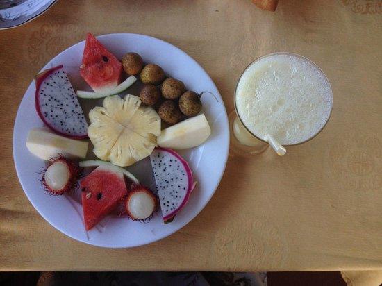 Hoang Trinh Hotel: Breakfast