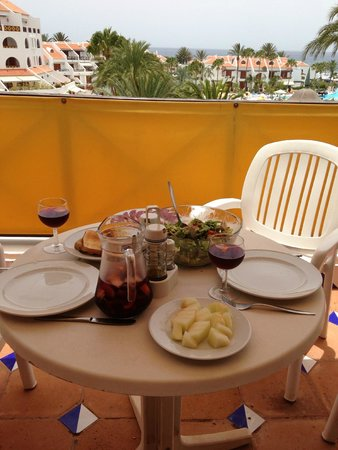 Parque Santiago III: lunch on the balcony