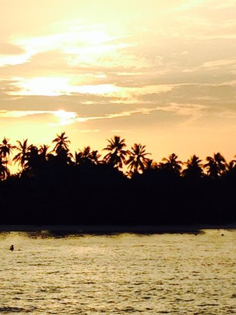 Meeru Island Resort & Spa : Another spectacular sunset
