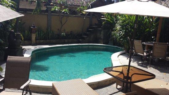 Yuli Bungalows: Pool