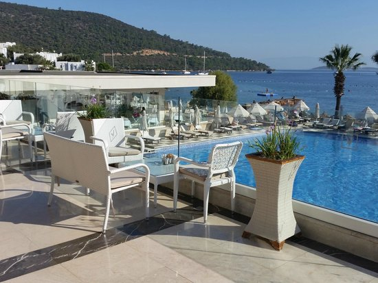 Voyage Torba: Main pool from Panorama Bar
