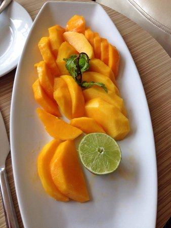 Ibis Dakar: Delicious mango